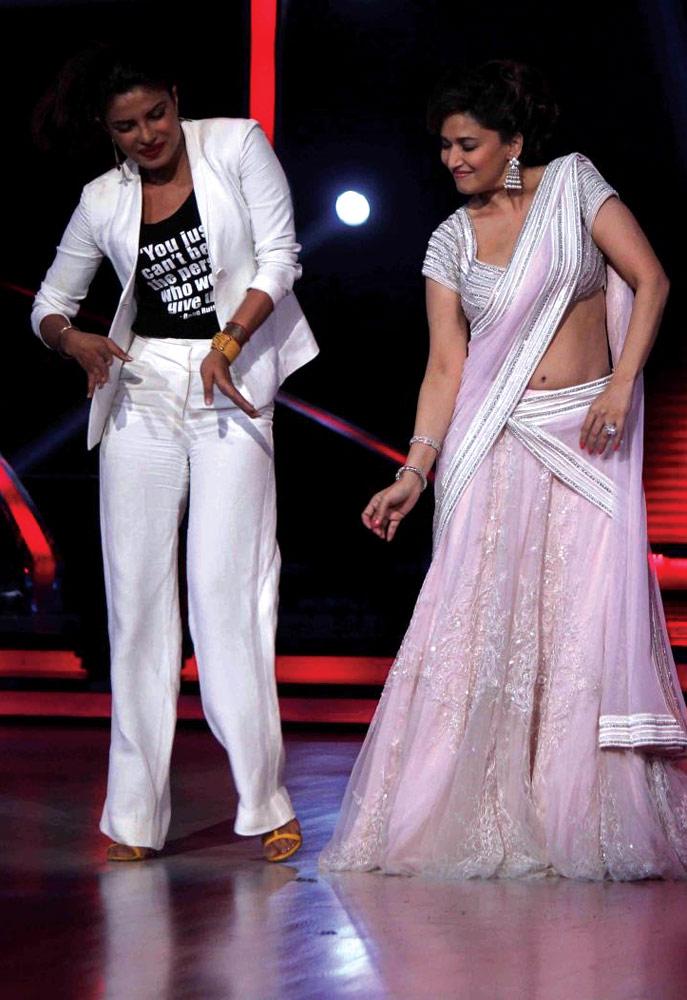 Priyanka and Madhuri at Jhalak Dikh La Ja
