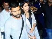 Virat-Anushka return from Sydney holding hands