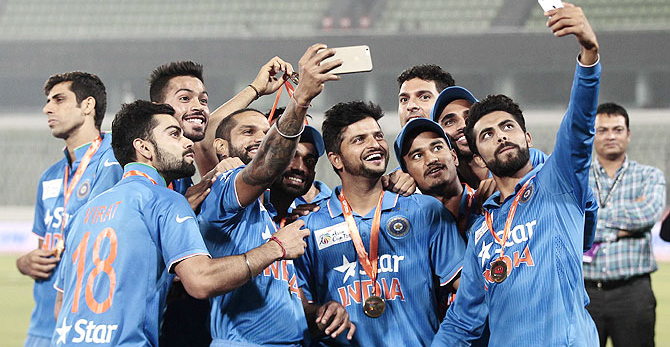 BCCI और ICC के रेवन्यू शेयरिंग झगड़े के चलते इंडिया का चैम्पियंस ट्रॉफी खेलना मुश्किल...