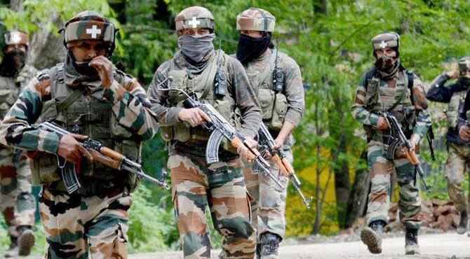 कश्मीर में Army ने आज मारे 7 आतंकी, एक जवान शहीद, 2017 में अबतक 38 टेररिस्ट ढ़ेर
