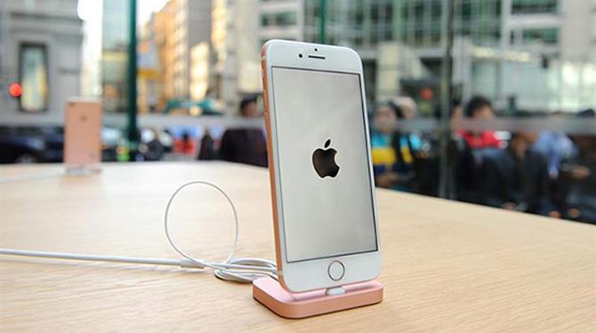 GST इफ़ेक्ट: Apple ने इंडिया में 7.5 % तक घटाए अपने सभी iPhones के दाम