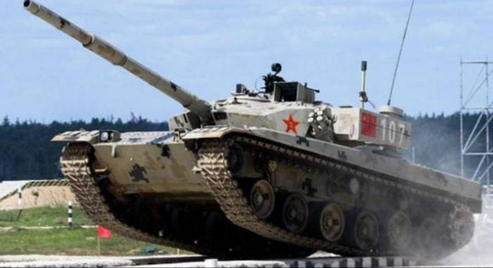 चीन ने बॉर्डर पर टैंकों के साथ शुरू किया युद्ध अभ्यास , कहा- भारत की गलतफहमी दूर कर देंगे