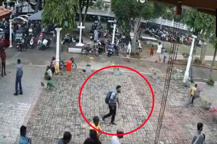 श्रीलंका: पीठ पर विस्फोटक का बैग रखकर चर्च में दाखिल हुआ था आत्मघाती हमलावर