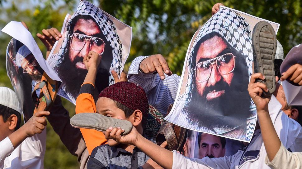 आतंकी मसूद अजहर को अंतरराष्ट्रीय आतंकी घोषित करने पर क्या होगा?
