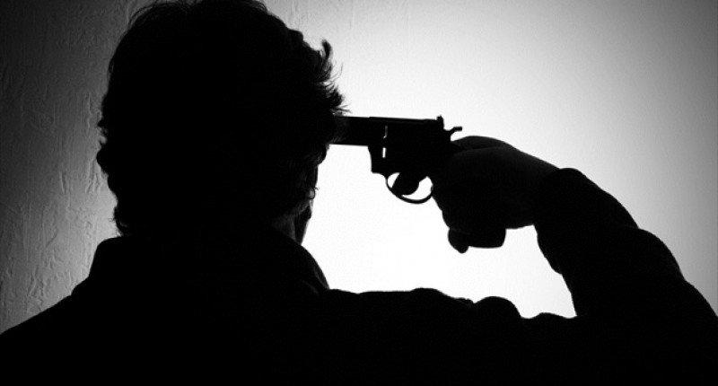 व्यापारी ने खुद को गोली मारी,नहीं मिल रहा था कर्ज का पैसा वापसी