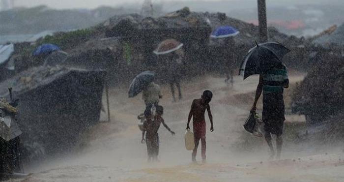 Monsoon: भारतीय तट से टकराया मानसून, कई इलाकों में जोरदार बारिश