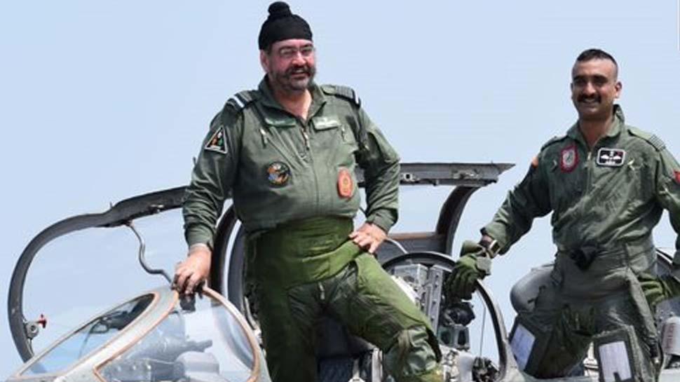 नए लुक-नए जोश में दिखे अभिनंदन, एयरफोर्स चीफ के साथ उड़ाया मिग-21
