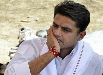 सचिन पायलट उपमुख्यमंत्री और प्रदेश अध्यक्ष पद से हटाए गए, दो अन्य मंत्रियों विश्वेंद्र सिंह और रमेश मीणा से भी पद छीना
